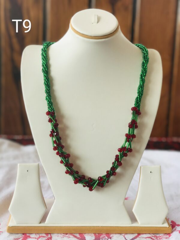 green-necklace-with-red-stripe-mala-t9